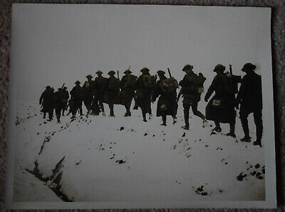 WW1 Original Press Photo British Tommies March To Trenches In Snow Western Front • 20£