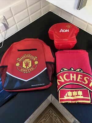 Manchester United Bundle | Red School Bag Rucksack Lunch Box & Beach/Bath Towel • 25£