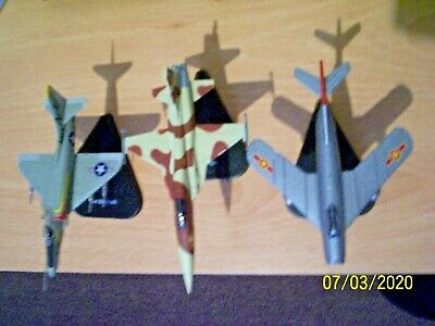 3 - 1/100 Scale  Post Ww2 Diecast Aircraft #3 • 18£