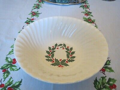 $ CDN28.42 • Buy Vintage Christmas Scio Holly Berry Vegetable Bowl Japan Swirl 8.75 Inches