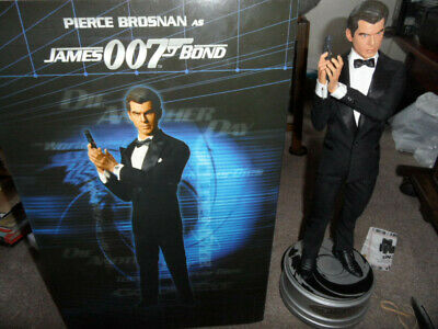 Sideshow Pierce Brosnan As James Bond 007 Premium Edition 1/4 Scale Figure.NEW • 300£