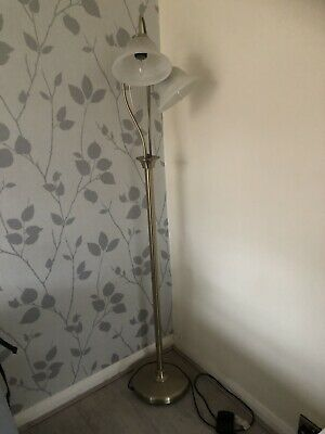 Beautiful Floor Standing Lamp With Foot-switch Excellent Condition • 25£