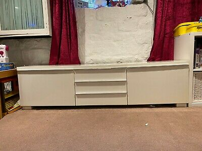 Ikea Gloss White TV And Home Entertainment Stand And Storage (Besta Burs) • 20£