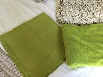 Fluffy Green Throw With Three Cushion Covers • 9£