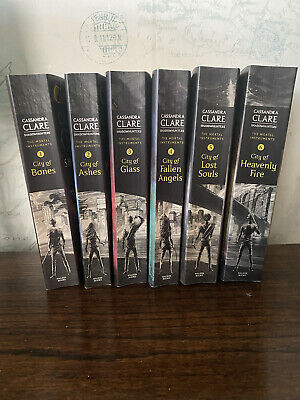 Cassandra Clare - The Mortal Instruments - Books 1 To 6 • 12.50£