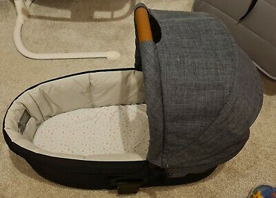 £30 • Buy Mamas And Papas Sola2 Carrycot