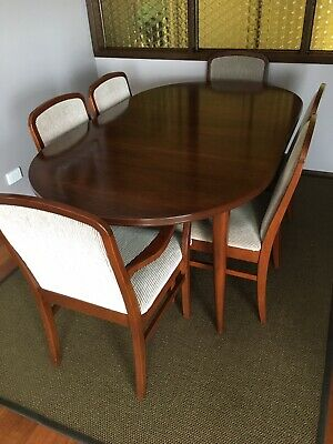 AU550 • Buy Parker - Dining Table Oval & 6 Chairs / Walnut - Extendable/ Excellent Cond