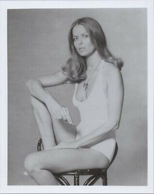 $ CDN11.79 • Buy Barbara Bach In Low Cut Swimsuit Holding Gun The Spy Who Loved Me 8x10 Photo