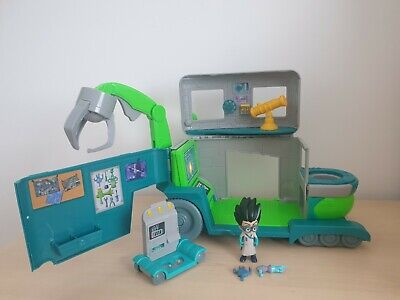 PJ Masks Romeo's Lab With Romeo Figure And Accessories Lights And Sounds  • 24£