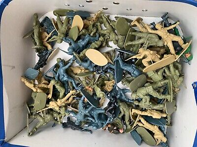 88 Vintage Airfix 1/32 Scale Plastic Toy Soldiers - Mixed, Great Poses • 9.99£