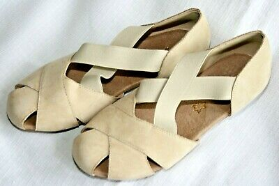 £8 • Buy FootGlove Stone Coloured Suede Shoes - Size 4 - NWoT