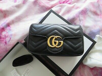 AU1100 • Buy Black Gucci Super Mini Bag
