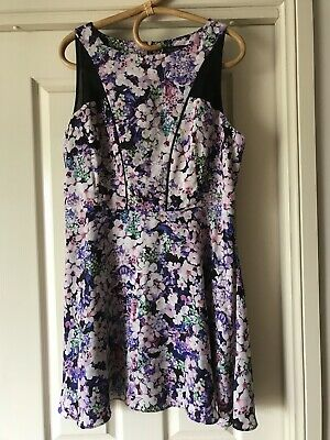 AU19 • Buy Forever New Ladies Floral Dress Size 16