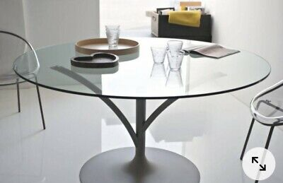 £200 • Buy Calligaris Round Glass Dining Table, Used