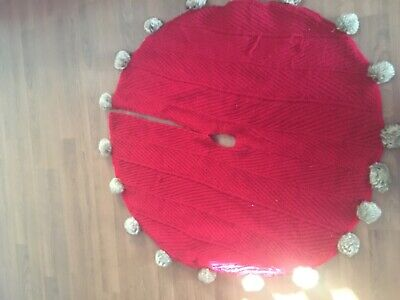 """£31.87 • Buy Brand New Christmas Red Cable Knit With Fur Pom Poms Tree Skirt 50"""""""