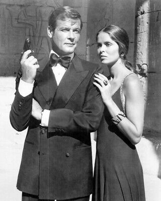 $ CDN37.75 • Buy The Spy Who Loved Me Roger Moore As Bond Barbara Bach As Anya 24x36 Inch Poster