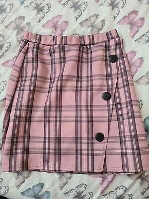 £2 • Buy Pretty Little Thing Checked Pink Skirt Size 10