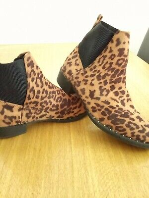 £6 • Buy Women's New Look Chelsea Leapord Print Boots 5