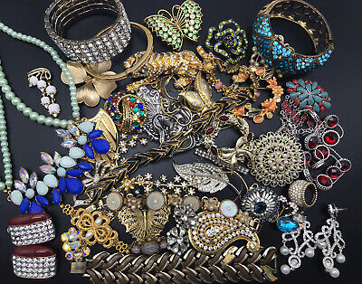 $ CDN42.62 • Buy 46 Piece Vintage To Now Repair, Harvest, Craft Lot Of Mixed Jewelry Lots Signed