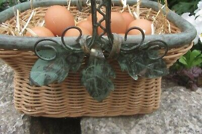 £7.99 • Buy Beautiful Oblong Wicker/metal Egg Basket Or Ideal Craft Or Garden - Used Lovely
