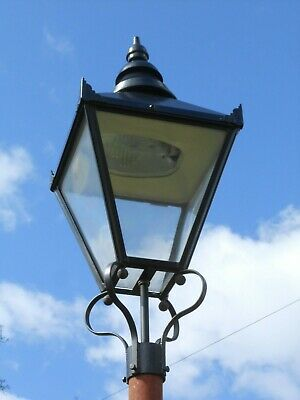 £195 • Buy Large Used Traditional Lamp Post Top