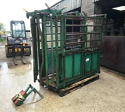 £1095 • Buy IAE Cattle Handling Crush Automatic Neck Catch Foot Trimming Attachments