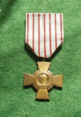 £17 • Buy French Ww1 1914-18 Cross Of Combatant Medal