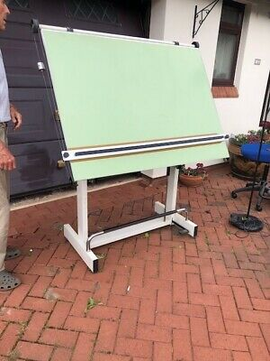 £35 • Buy A0 Drawing Board With Parallel Motion