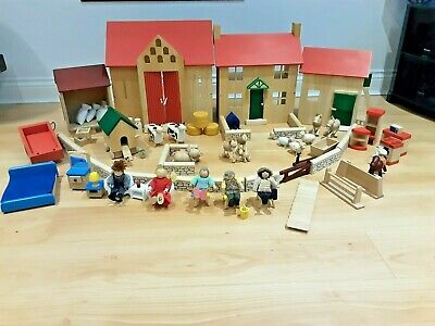£60 • Buy Pintoy Delux Wood Valley Farm With 16 Animals, 5 People, Furniture & Accessories