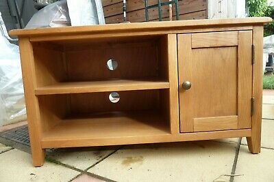 £65 • Buy TV And VIDEO Cabinet In Solid Oak
