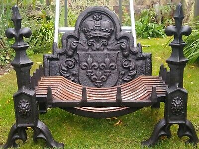 £600 • Buy Refurbished Vintage Cast Iron Fire Grate Basket With Decorative Iron Fire Dogs.
