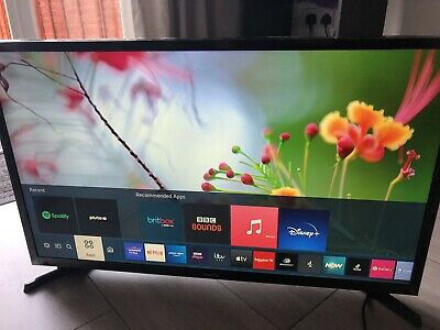 £155 • Buy Samsung 32 HD LED Freeview SMART TV With Internet And Wifi