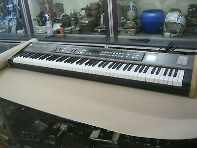 """AU520 • Buy Roland Rd-170 Piano/synthesiser """"musicians Friend"""" ~ Good Condition"""