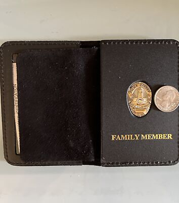 £16.70 • Buy Los Angeles CA Police Officer Mini Pin And Family Member Wallet And ID Holder
