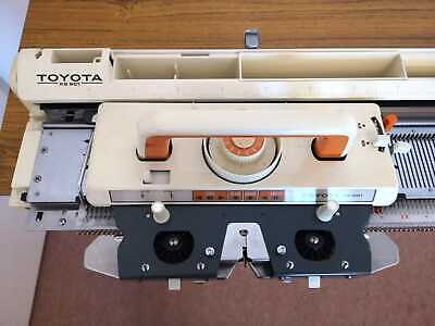 £100 • Buy TOYOTA KS 901 Knitting Machine, Accessories And Table