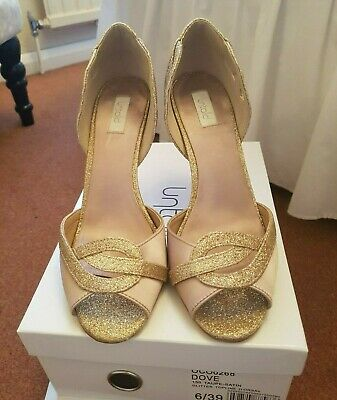 £5 • Buy Untold Shoes, Size 6, Taupe/Glitter - Satin Material