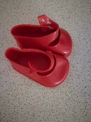 SIZE 3 RED PLASTIC CINDERELLA SHOES FOR VINYL DOLLS FITS 75mm FOOT • 5.95£