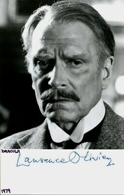 SIR LAURENCE OLIVIER Signed Photo  • 56.05£