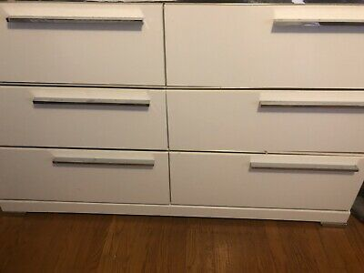 $575 • Buy Ashleys Furniture Set..White And Silver Queen Sized Bedroom Set