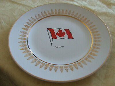 Plate Depicting The Canadian Flag With Gold Trim And Design Wood & Sons England • 9£
