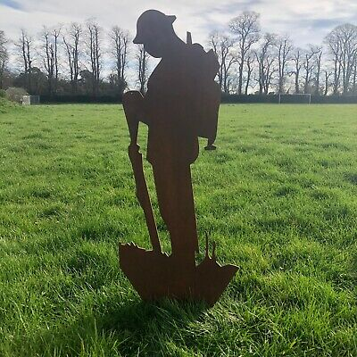 Large METAL SIGN Lest We Forget Soldier GARDEN STATUE ORNAMENT FEATURE RUSTIC • 80.99£