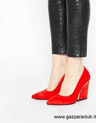 London Rebel Curved Heel Courts In Russian Red, Size 5 • 30£
