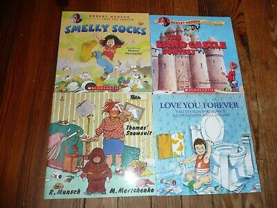 £7.20 • Buy Lot 4 ROBERT MUNSCH Picture Books SMELLY SOCKS Love You Forever THOMAS' SNOWSUIT