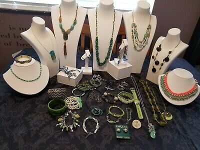 $ CDN65 • Buy Costume Vintage To Now Jewelry Lot Green Collectible 37 Pieces