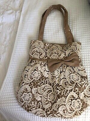 AU5 • Buy Woman's Vintage Forever New Hand Bag