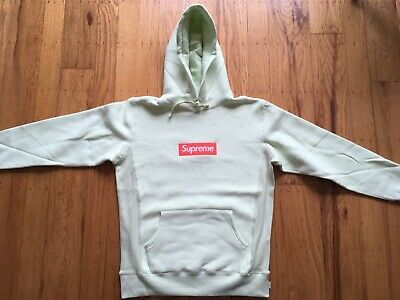 $ CDN476.70 • Buy Authentic Supreme FW 2017 Pale Lime Box Logo Hoodie Size Small  OFFER UP!!!