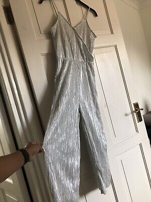 Womens Silver Pleated V Neck Jumpsuit. Size 6 *NEW* • 2.10£