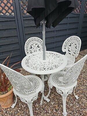 Cast Aluminium Vintage Table  And 4 Ornate Chairs  • 290£