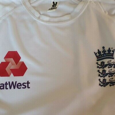 England Cricket T Shirt • 11£