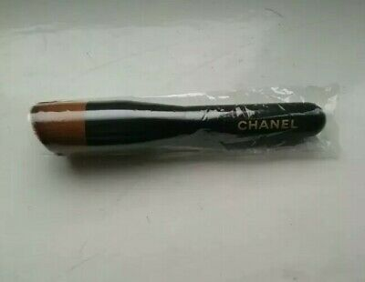 CHANEL 2-in-1 FOUNDATION BRUSH Fluid & Powder Medium Size • 19.99£